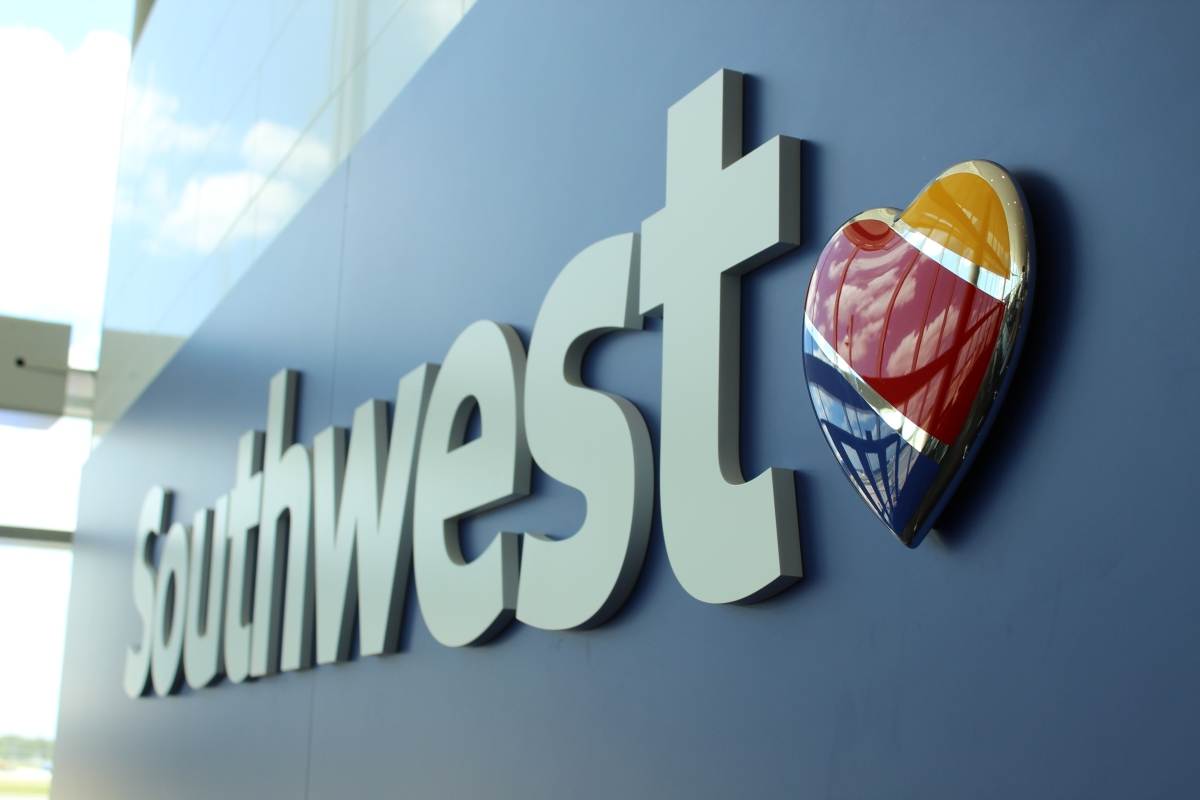 """Southwest """"System Glitch"""" Grounds 1,100+ Flights This Week"""